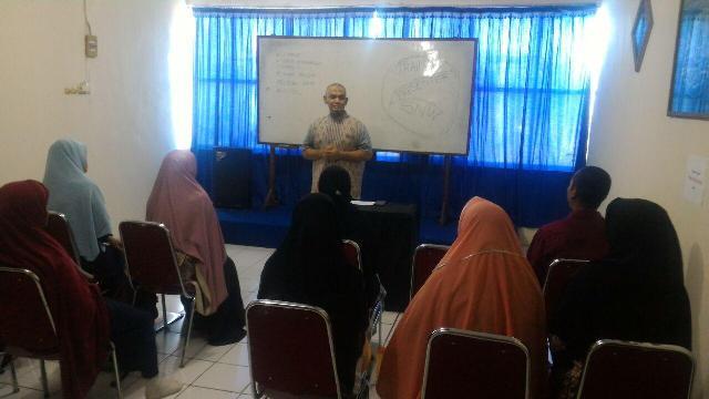 Training for Presenter Griya Ceria, Makassar